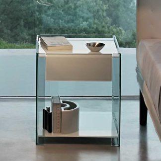 1 fiam glazen nachtkast bijzettafel Milo design by Ilaria Marelli