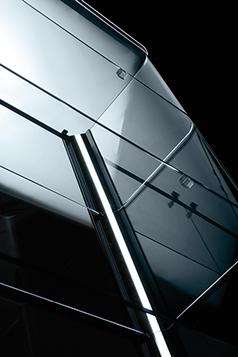 Fiam glazen design vitrine aura design by Patrick Jouin (3)