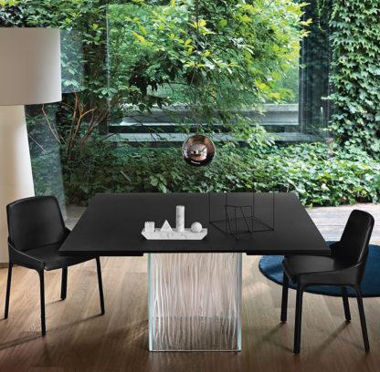 FIAM design eettafel Rime by Bartoli design - zwart blad met helder onderstel