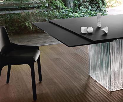FIAM design eettafel Rime by Bartoli design - zwart blad met helder onderstel (2)